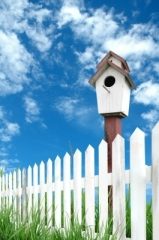 picket fence bird house